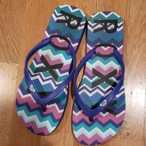 EUC Roxy beach flip flops